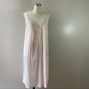 Vintage cotton blend lace embroidered night gown